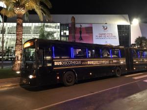 Festival Cannes 2017 Palais Disco                    Bus bleu